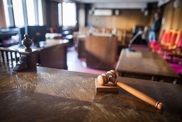 Młotek sędziowski nasali rozpraw